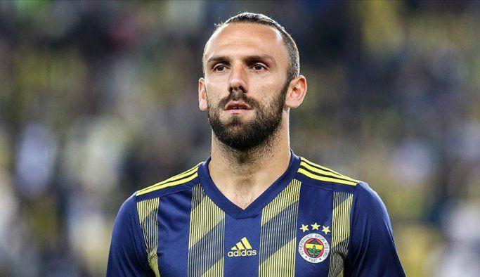 Fenerbahçe transferde ikiye bölündü!
