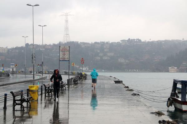 İstanbullular bu pazar evde kaldı