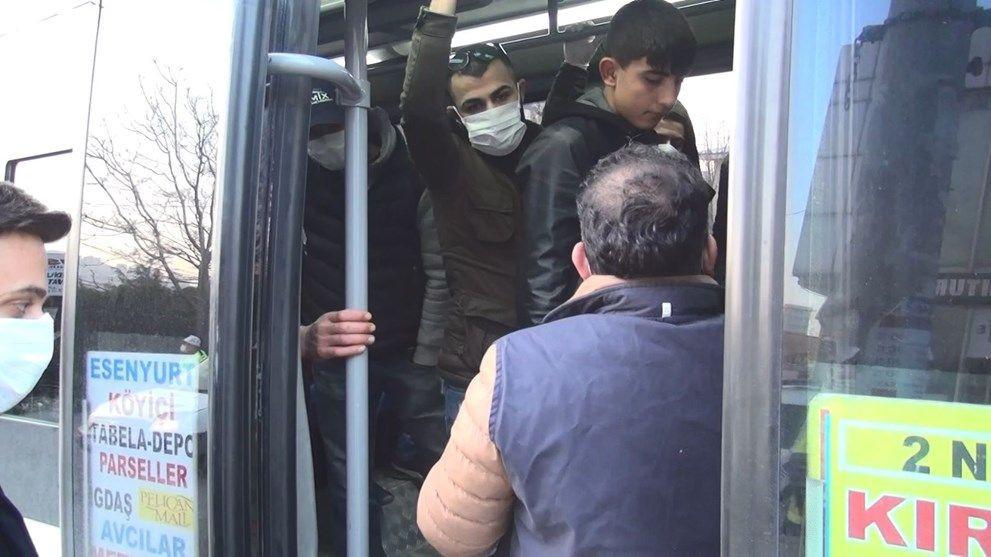 Esenyurtta şaşırtan görüntü! Minibüs durduruldu para cezası kesildi