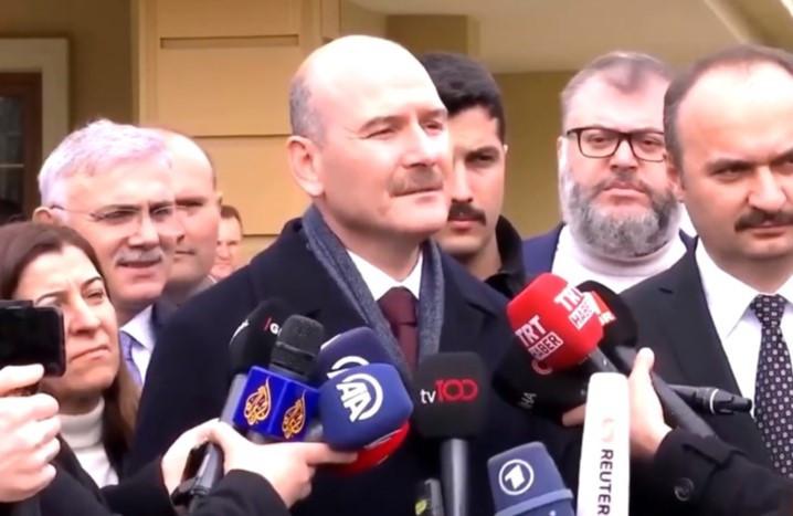 Süleyman Soylu'dan gazeteciye: ''Yunan tarafına hizmet ediyorsun''