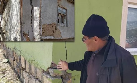 Denizli'de bir mahalle 4 yıldır kayıyor