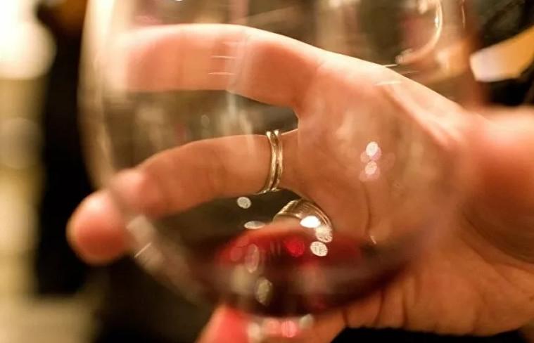 Musluklardan ''yanlışlıkla'' şarap aktı!