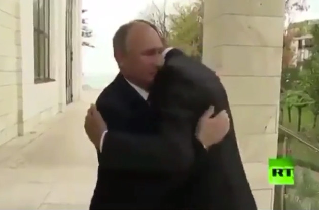 Erdoğan'ı koridorda bekleten Putin, Esad'ı dış kapıda karşıladı!