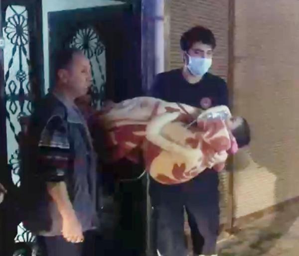 Anne ve 3 çocuğu yangından son anda kurtarıldı
