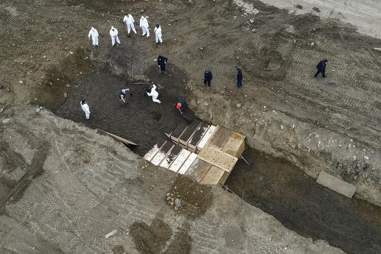 ABD'nin toplu mezar adası havadan görüntülendi