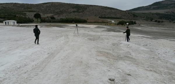 İş makinelerinin talan ettiği Salda Gölü'nün beyaz kumu kayıp! - Resim: 3