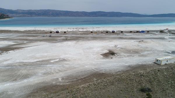 İş makinelerinin talan ettiği Salda Gölü'nün beyaz kumu kayıp! - Resim: 4