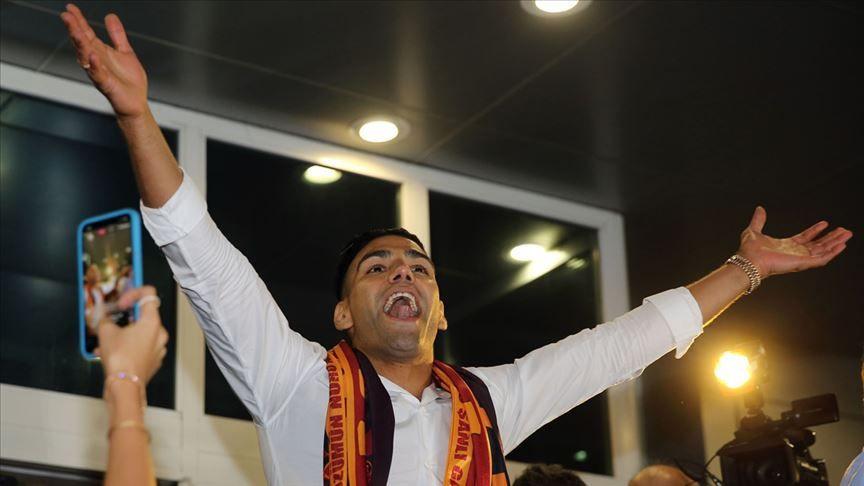 Galatasaray'da deprem! Falcao indirimi kabul etmedi, ayrılıyor!