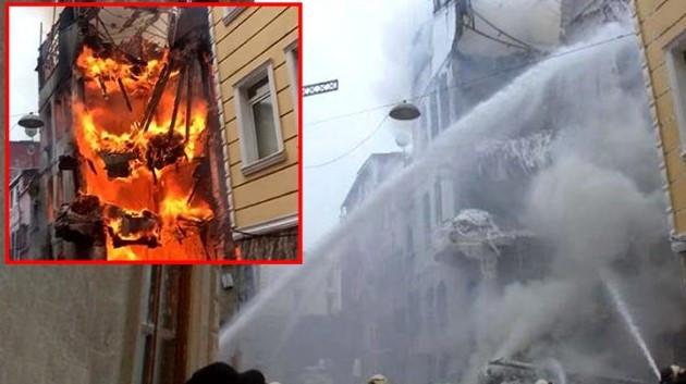 İstanbul'da 4 katlı metruk bina küle döndü