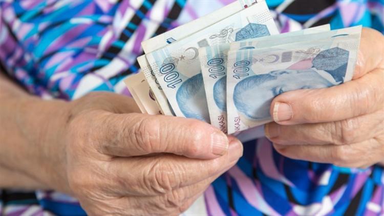 Onbinlerce emekliye büyük şok! Paralarının sadece yarısı yattı