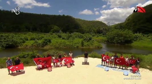 Survivor Adası'ndan 23 Nisan için canlı yayında İstiklal Marşı sürprizi