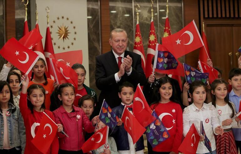 Erdoğan'a bu hatayı kim yaptırdı: ''İstiklal Marşı canlı değil banttandı''