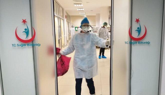 Koronavirüsten ölen hastanın yakınları dehşet saçtı!
