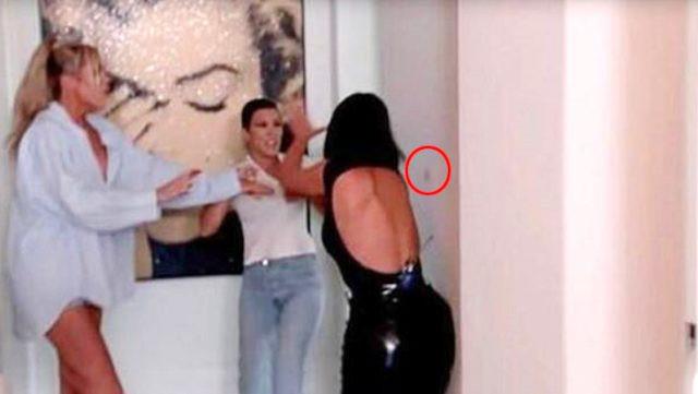 Kim Kardashian ablasından yediği tokat sonrası makyaj duvara sıçradı