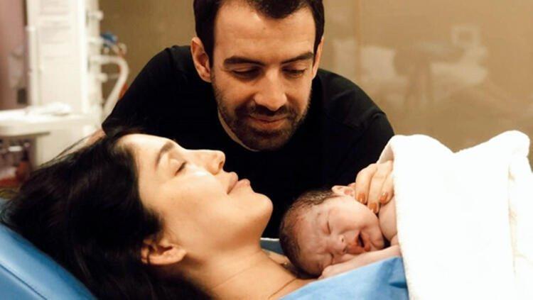 Ünlü türkücü Yavuz Bingöl'ün kızı Türkü Bingöl anne oldu!