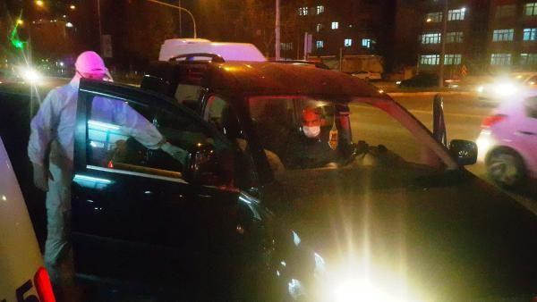 Ateşi yüksek çıkan yaşlı adamı otomobille polisten kaçırmaya çalıştı