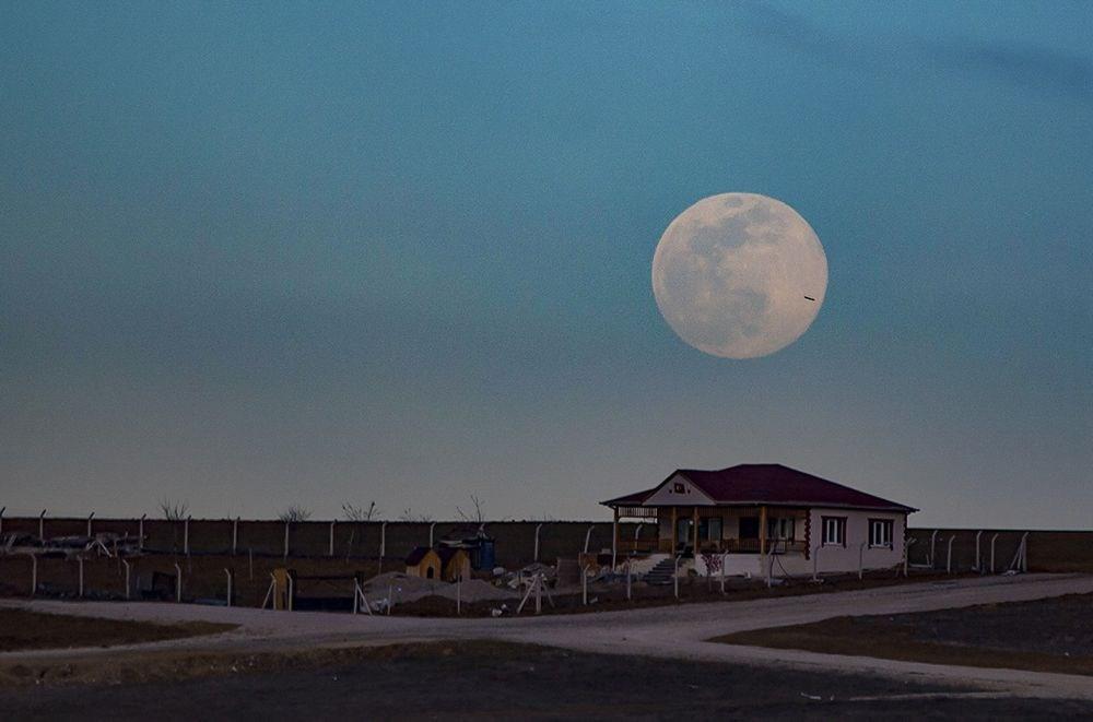 Türkiye ve dünyadan muhteşem Süper Ay manzaraları