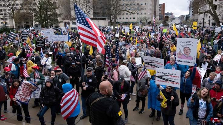 ABD'de silahlı karantina karşıları meclis binasını bastı