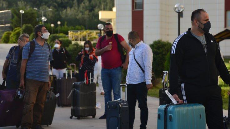 Yurtdışından 186 Türk daha Türkiye'ye getirildi