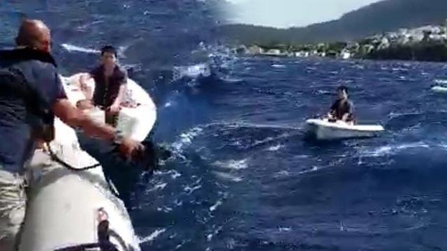 İzmir'de yelken alabora oldu! 3 kişi güçlükle kurtarıldı