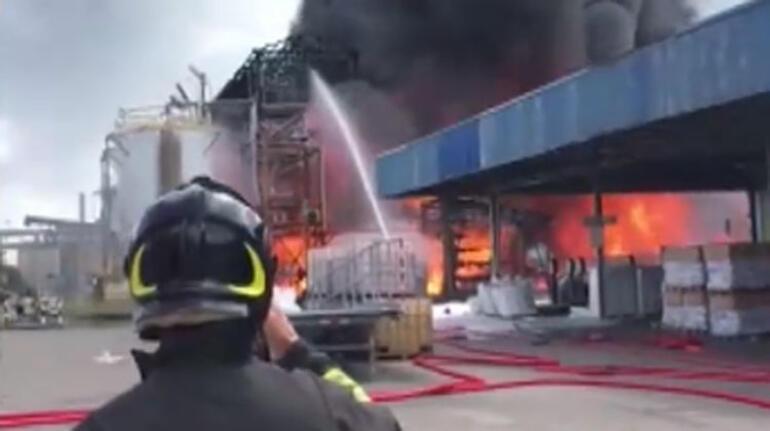 İtalya'da kimyasal fabrikada patlama