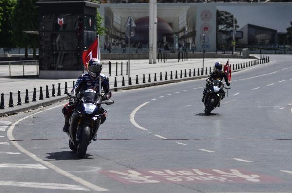 19 Mayıs Atatürk'ü Anma Gençlik ve Spor Bayramı'nda İstanbul'da Atatürk rallisi