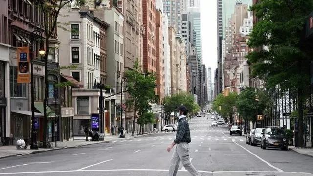 New York'ta korona vakalarının büyük bir kısmı evde kalanlardan oluşuyor