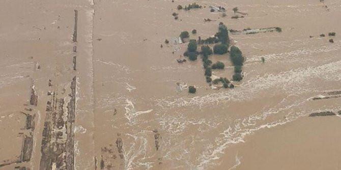 Baraj duvarı çöktü 56 kişi yaralandı