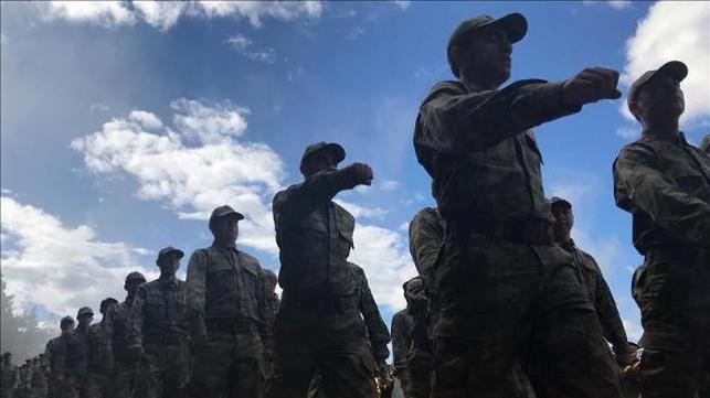 Suriye'de askere komutan dayağı iddiası!
