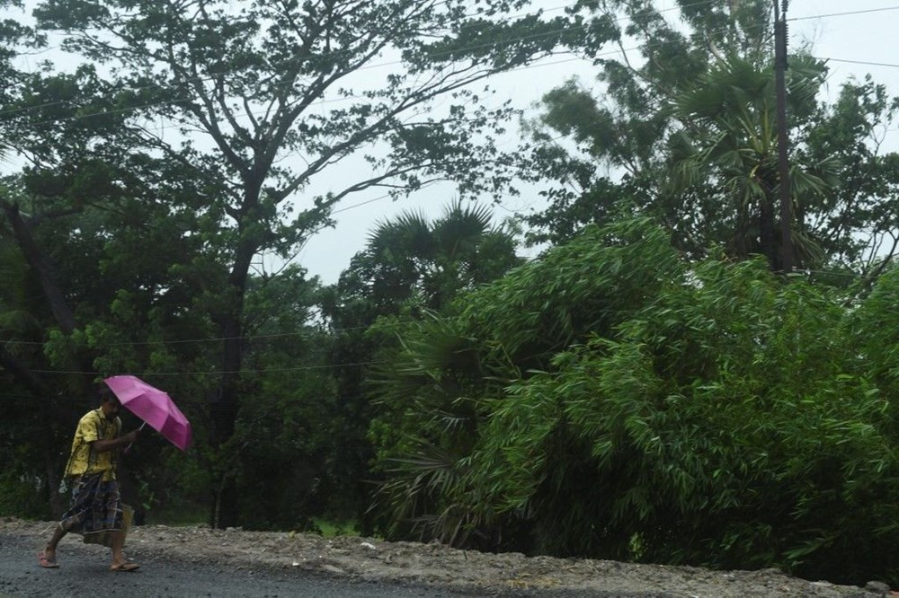 Amphan Kasırgası 170 kilometre hızla kıyıya yaklaşıyor!