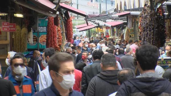 Bayram öncesi alışveriş telaşı! Mısır Çarşısı tıklım tıklım doldu