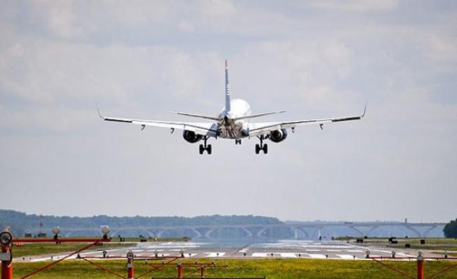 """Havalimanlarındaki ''yolcu ve uçak garantisi"""" de tutmadı!"""