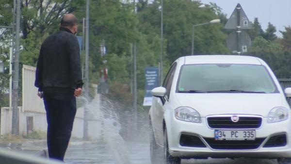 Ani yağış İstanbullulara zor anlar yaşattı