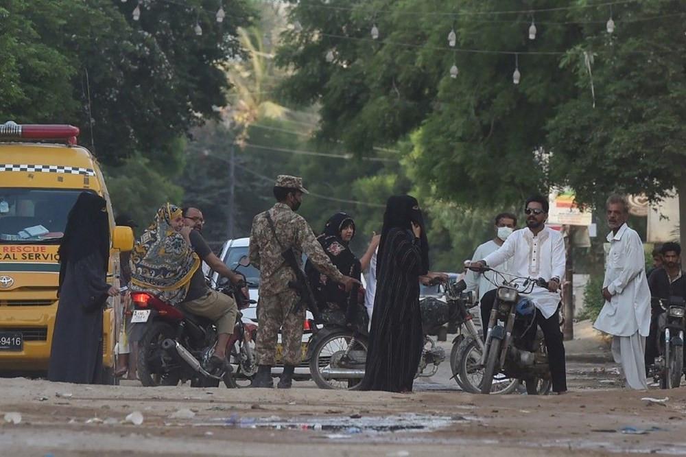 97 kişinin öldüğü Pakistan uçak kazasından kurtuldu: Dehşeti böyle anlattı