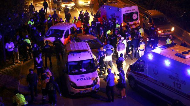 Ankara'da bir araç polis noktasına daldı: 6 polis yaralı