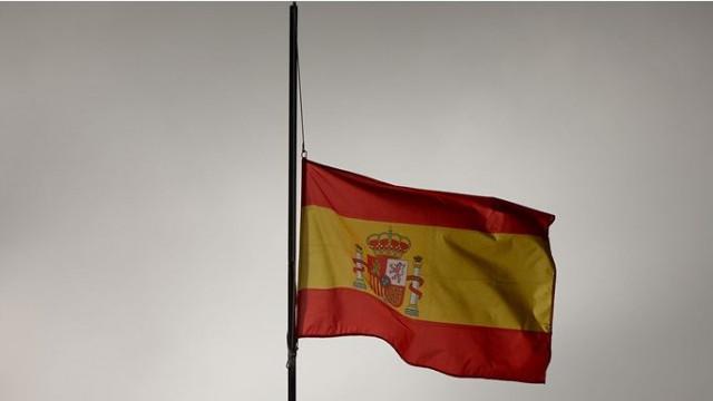 İspanya'da koronavirüsten ölenler için 10 günlük ulusal yas ilan etti