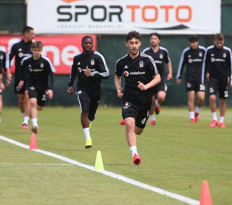 Nani'den Beşiktaş'a sürpriz teklif!