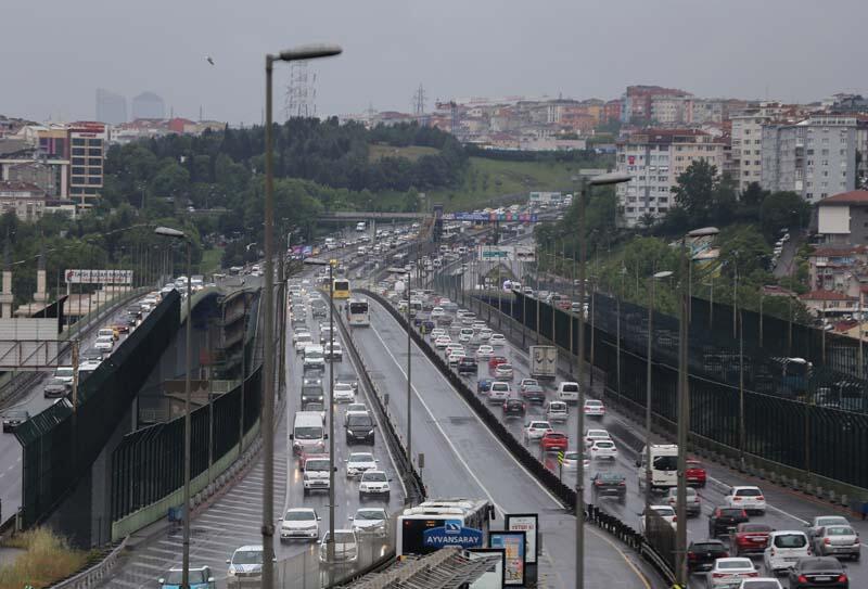 Sokağa çıkma yasağı sonrası İstanbul trafiğinde son durum
