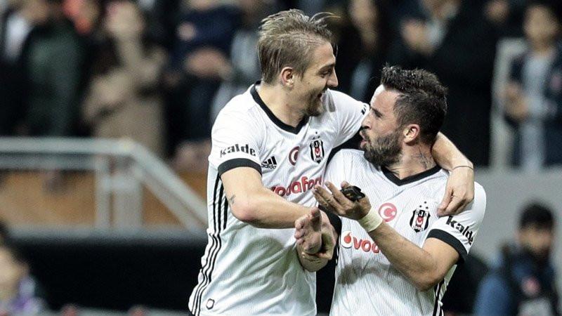 Fenerbahçe ezeli rakibin yıldızının peşinde