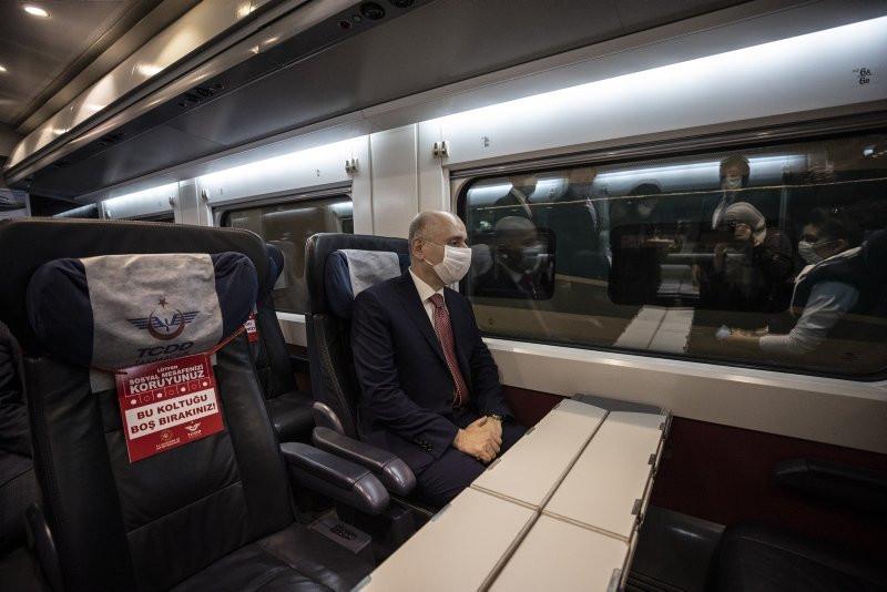 Ankara'dan yola çıkan ilk tren İstanbul'a ulaştı - Resim: 3