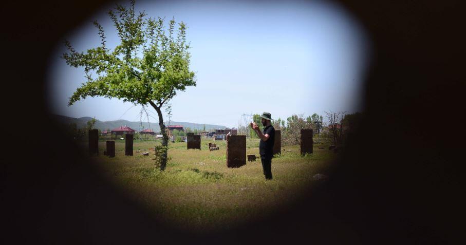 ''Nemrut Krater Gölü'' ile ''Selçuklu Meydan Mezarlığı'' bomboş kaldı