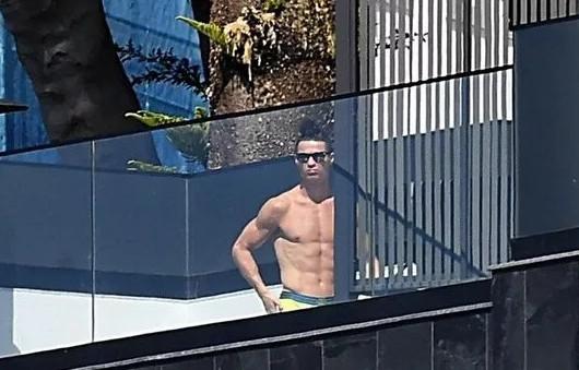 Zenginlik başa bela! Ronaldo kendi adasında mahsur kaldı