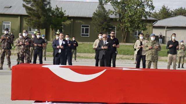 Siirt şehidi Piyade Uzman Onbaşı Gündeş için askeri tören