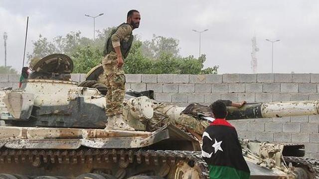 Libya ordusundan açıklama:  'Vatiyye Üssü komutanı öldürüldü''