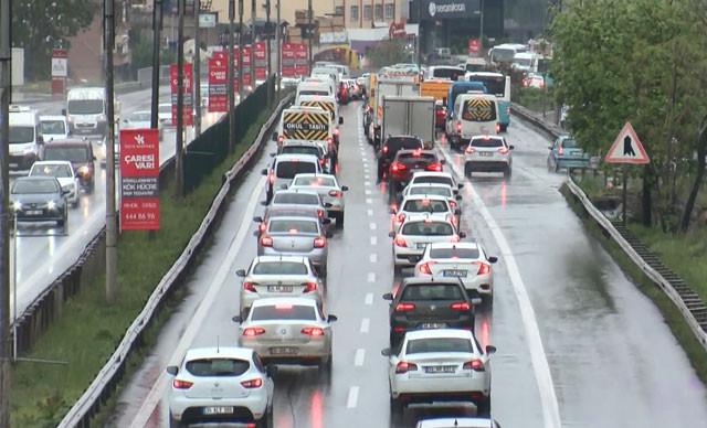 İstanbul trafiğini kilitleyen kaza