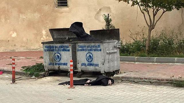 Cami önüne bırakılan ceset torbaları panik yarattı
