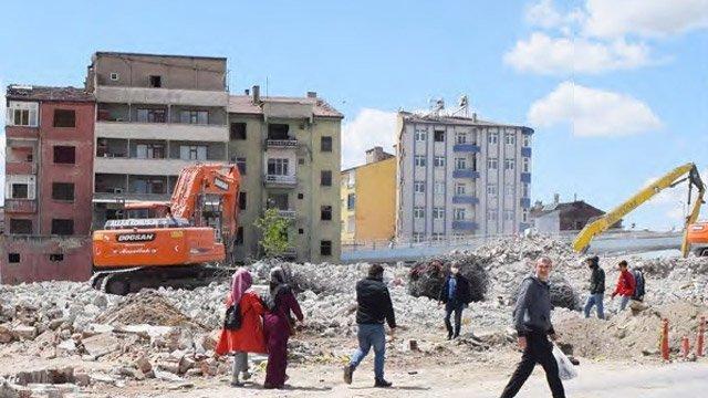 Elazığlı depremzedeler: ''Devletimiz evimizi yapsın''