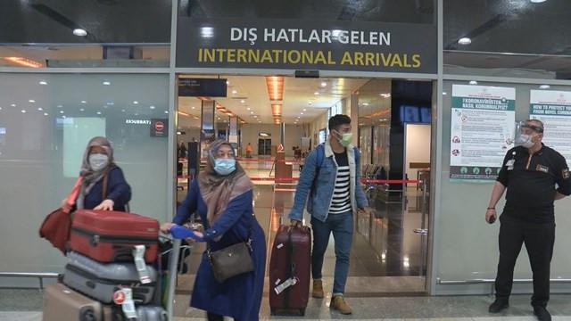 Sabiha Gökçen'e yurt dışından ilk uçak indi!