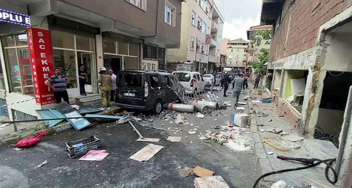İstanbul'da patlama! Yaralılar var