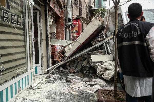 İstanbul'da korkutan patlama! Sokak savaş alanına döndü